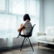 heftige aandrang bij opstaan uit stoel